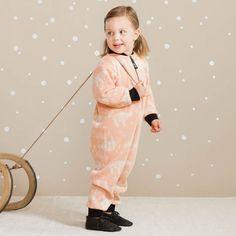 ARCTIC baby villahaalari, roosa | NOSH & KIVAT villavaatemallisto tarjoaa villavaatteita  ja asusteita syksyyn ja talveen! Pipoja myös aikuisille. Tutustu mallistoon ja tilaa NOSH vaatekutsuilta, edustajalta tai verkosta http://nosh.fi/category/950/ | (This collection is available only in Finland )