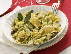 Ricetta Ravioli di coniglio e carciofi trifolati | Donna Moderna Tortellini, Artichoke, Pasta, Cabbage, Menu, Chicken, Vegetables, Cooking, Food