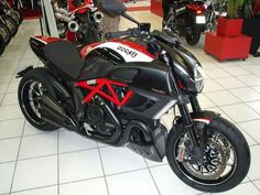 Diavel Ducati Diavel, Ducati Motorcycles, Motorcycle Engine, Stuff And Thangs, Atvs, Motorbikes, Duke, Honda, Big