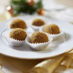 Úžasné medovníkové kuličky Christmas Sweets, Christmas Candy, Christmas Cookies, Small Desserts, How Sweet Eats, Mini Cupcakes, Healthy Cooking, Love Food, Sweet Recipes