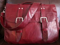 DIY: Leather Messenger Bag - I will never make this in leather, but like the style (would just make it a bit smaller)