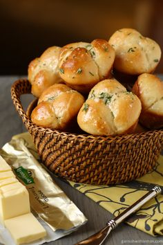 Rosemary Garlic Cloverleaf Rolls are easy to make and perfect for Thanksgiving!