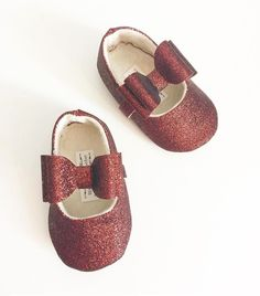 Toddler Girl Shoes Baby Girl Shoes Soft Soled Shoes Wedding Shoes Flower Girl Shoes Gold Glitter Shoes Glitter gold Shoes  - Eloise by LittlePoshBebe on Etsy https://www.etsy.com/listing/474796546/toddler-girl-shoes-baby-girl-shoes-soft
