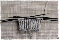 Suvikumpu: Pitsisukat Knitting Socks, Handicraft, Bobby Pins, Hair Accessories, Crochet, Fashion, Tights, Wool, Tricot