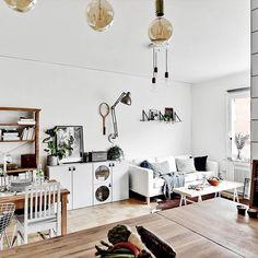 ➰ Från köket, Norrtullsgatan 63.  Fotograf: @fotografnathalie #inredning#inredningsdesign #interior#inspiration#interiorinspo #interior123#whiteinterior#home #instahome #homeinspo#tillsalu#forsale #interiorforyou#roominterior#interior4all#interiorinspiration#interiorforyou #homedesign#lyx #luxury#realestate #realtor #broker #bostad #hemnet #fastighetsbyran #vasastan #tillsalu #photooftheday