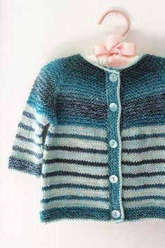 Tanis Fiber Arts: Handspun Garter Yoke Baby Sweater pattern free on Ravelry Baby Sweater Patterns, Knit Baby Sweaters, Baby Knitting Patterns, Baby Patterns, Baby Knits, Dress Patterns, Crochet Baby Dress Pattern, Knit Crochet, Knitting For Kids