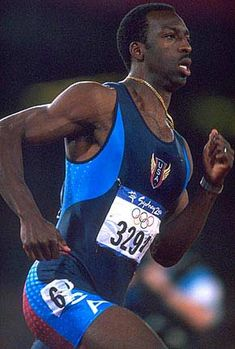Michael Johnson - I miss your golden spikes going around the track Michael Johnson, 2000 Olympics, Summer Olympics, Usain Bolt, Golden Spike, Tri Suit, Olympic Committee, Olympic Athletes, Sport Icon