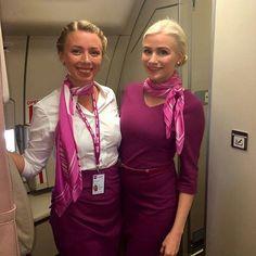 Æskuvinkonur í flug á leið til Parísar #friends #flying #cabincrew #wowair #wowaircrew #likeforlike #instagood  #airhostesses @malingylfa