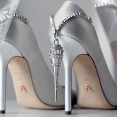 """The beautifully elegant 'Pendant' pump from the Ralph & Russo AW15/16 collection. Available to pre-order from our boutique in @harrods or by emailing…"""
