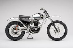 Un bijou, la BSA enduro 441 Racer British Motorcycles, Vintage Motorcycles, Custom Motorcycles, Custom Bikes, Custom Choppers, Enduro Vintage, Vintage Motocross, Vintage Bikes, Motocross Bikes