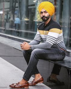 Humble enough to know I'm not better than anybody & wise enough to know that I'm. I M Not Good, Mens Fashion, Fashion Outfits, Classy Fashion, Punjabi Fashion, Turban Style, Mens Clothing Styles, Dress Codes, Desi