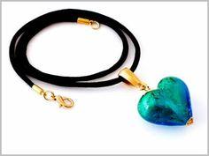 """""""Jaden"""" Pendentif Coeur en Verre de Murano turquoise aquamarine et feuille d'or, avec de somptueux reflets vert d'eau."""