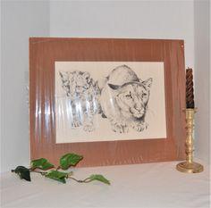 Black Painting, Beads Pictures, Vintage Closet, Vintage Baskets, Vintage Butterfly, Rust Color, Cat Art, Picture Photo, Vintage Black