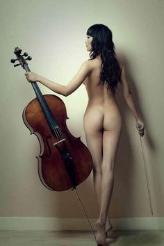 female nude cellist