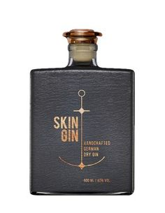 Carefully wrapped in a leather suit, Skin Gin wants to leave you speechless… Alcohol Bottles, Liquor Bottles, Beverage Packaging, Bottle Packaging, Ginger Ale Gin, Cocktails, Alcoholic Drinks, Gin Tasting, Gin Brands