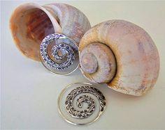 Sterling silver earrings. Silver jewellery. Ethnic Jewellery. Pendientes étnicos de plata. Joyería étnica. Joyería artesanal.