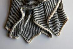 Learn-to-Love-Steeks Blanket by Purl Soho ~ FREE pattern Infinity Scarf Knitting Pattern, Knitting Patterns Boys, Knit Cardigan Pattern, Knitting For Kids, Knitting Stitches, Knitting Designs, Purl Soho, Knitted Blankets, Baby Blankets