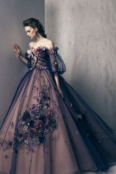 Beaufully designed by the Yumi Katsura Bridal House. Ball Gown Dresses, Prom Dresses, Banquet Dresses, Elegant Dresses, Pretty Dresses, Moda Lolita, Fairytale Dress, Fairy Dress, Fantasy Gowns