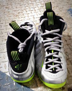 "The Nike Air Foamposite ""Silver Camo"" Foams Shoes Nike, Nike Air Shoes, Nike Free Shoes, Popular Sneakers, Latest Sneakers, Sneakers Fashion, Men's Sneakers, I Love My Shoes, Nike Kicks"