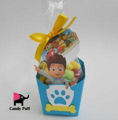 """Embalagem de gomas inspirada nos desenhos animados """"Patrulha Pata"""".  No interior da embalagem existe um saco com 85 gr de gomas."""