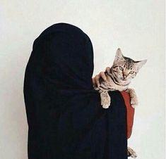 Image de cat, islam, and love Hijab Niqab, Hijab Chic, Mode Hijab, Hijab Outfit, Anime Muslim, Muslim Hijab, Arab Girls, Muslim Girls, Girls Dp