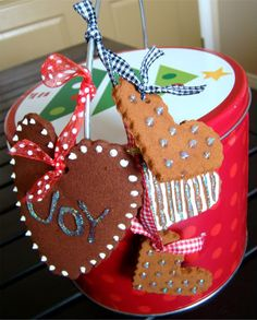tHe fiCkLe piCkLe: QuicK aNd easY OrnaMenTs - did this with the girls. Christmas 2012