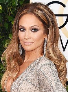 Jennifer Lopez Golden Globes 2015 hair & makeup