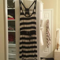 Black and white BEBE dress Gathers at waist  worn on 2 or 3 times bebe Dresses