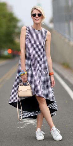 Street Style - New York Fashion Week Spring 2015 - gingham trapeze dress with sneakers Girly Outfits, Summer Outfits, Casual Outfits, Fashion Outfits, Womens Fashion, Fashion Trends, Trendy Fashion, High Fashion, Winter Outfits