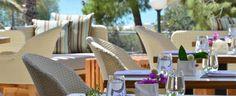 Το ελκυστικό και ολοκαίνουργιο Somewhere Hotel στην Βουλιαγμένη ανέθεσε στον Χριστόφορο Πέσκια την επιμέλεια του Bistro Lutetia. Δοκιμάσαμε το μενού και μας άφησε πραγματικά καλές εντυπώσεις.