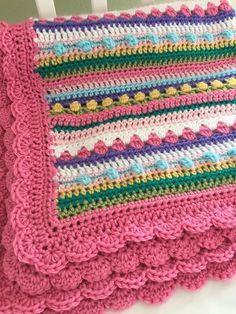 This is a beautiful crochet baby blanket is a great way to add color and texture to your babies nursery. It would be a welcome and sweet gift for a li. - Baby Baby Home Crochet Afghans, Crochet Blanket Border, Crochet Baby Blanket Beginner, Baby Girl Crochet Blanket, Crochet Borders, Crochet Stitches Patterns, Easy Crochet, Crochet Baby Blankets, Crochet Edgings