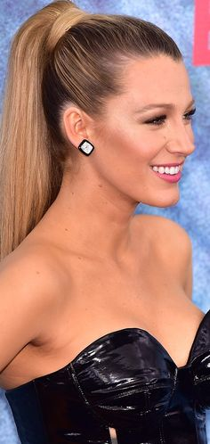 Blake Lively at 'The Shallows' premiere in NYC | 6/21/16.