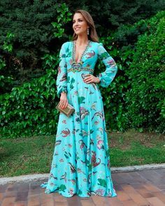 Pinned onto 2018 winter outfits Board in 2018 winter outfits Category Floral Maxi Dress, Dress Skirt, Dress Up, Dress Outfits, Casual Dresses, Fashion Dresses, Boho Fashion, Fashion Looks, Evening Dresses
