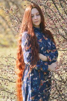 Women with Beautiful Hair Long Indian Hair, Long Red Hair, Long Curly Hair, Big Hair, Curly Hair Styles, Beautiful Long Hair, Gorgeous Hair, Down Hairstyles, Girl Hairstyles