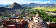 A great view of Palkhor Monastery(also known as Kubum monastery)