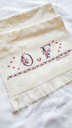 Mutfak havlusu çeyizlik Bargello, Cross Stitch Patterns, Diy And Crafts, Alphabet, Knitting, Cross Stitch Alphabet, Bed Linens, Cross Stitch Embroidery, Towels