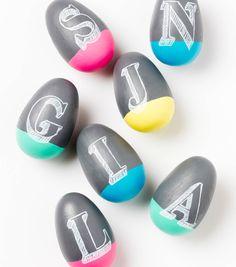 Easter Egg Decorating // Chalkboard Easter Eggs from Joann.com