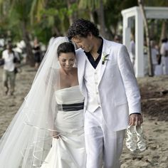 Shania Twain and Frederic Thiebaud had a Puerto Rican beach wedding to ring in 2011.