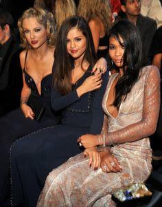 Taylor Swift(テイラー・スウィフト)& Selena Gomez(セレーナ・ゴメス)&Chanel Iman(シャネル・イマン)