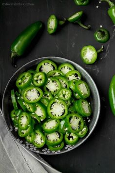 Pickled Jalapenos are one of the must haves in my refrigerator. They are super easy and quick to make. They are great on Nachos , Enchil. Homemade Ham, Homemade Pickles, Stuffed Banana Peppers, Stuffed Jalapeno Peppers, Jalapeno Relish, Canning Vegetables, Jalapeno Recipes, Tuna Recipes, Pico De Gallo