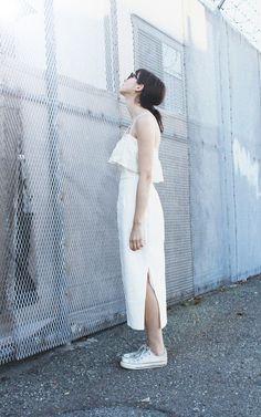 Style Guide : White on White แมตช์ชุดขาวกับผ้าใบขาว สวย+คลีน+เซอร์ ในลุคเดียว