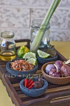 Sambal Matah Bali ~ one of best sambal! how I miss Bali. Sambal Sauce, Sambal Recipe, Sauces, Indonesian Cuisine, Indonesian Recipes, Malaysian Food, Asian Recipes, Food And Drink, Yummy Food