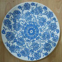 Butterfly Wallpaper, Paper Plates, Kaftan, Lotus, Vase, Dishes, Tableware, Pattern, Beautiful