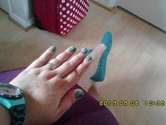 Colorama Verde Ninja and green and silver nail caviar (3)