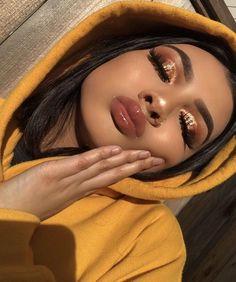 Gold eye makeup looks, party makeup looks for tan skin, makeup looks for poc, Glam Makeup, Makeup On Fleek, Makeup Inspo, Makeup Inspiration, Makeup Style, Sleek Makeup, Insta Baddie Makeup, Makeup Blog, Makeup Kit