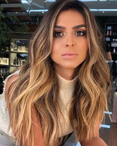 23 Long Ombre Hair Ideas Blowing Up in 2019 - Style My Hairs Wavy Hair, Dyed Hair, Balayage Blond, Long Thin Hair, Haircuts For Fine Hair, Straight Hairstyles, Brunette Hair, Brown Blonde Hair, Hair Highlights