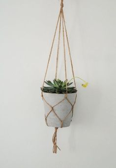 DIY Plant hanger | KreaVilla