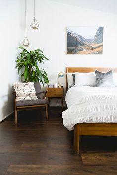 30 Amazing Mid Century Bedroom Design Ideas