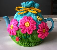 Free pattern: Flower Garden Tea Cosy