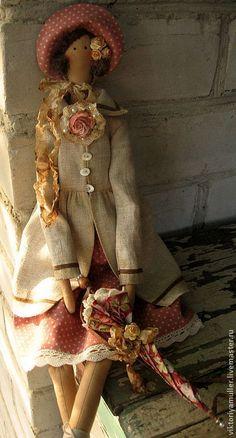 Купить или заказать кукла тильда ручной работы Барышня в пальто в интернет-магазине на Ярмарке Мастеров. Тильда- барышня в летнем пальто, очаровательной шляпке и с зонтиком! Украсит интерьер в стиле шебби- шик. Чудесный подарок на любой случай. Идеальная спутница для дачной жизни))) Аксессуары-…